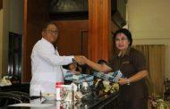 Rapat Paripurna DPRD Tomohon Bahas Ranperda APBD 2020. Dihadiri Sekda Lolowang