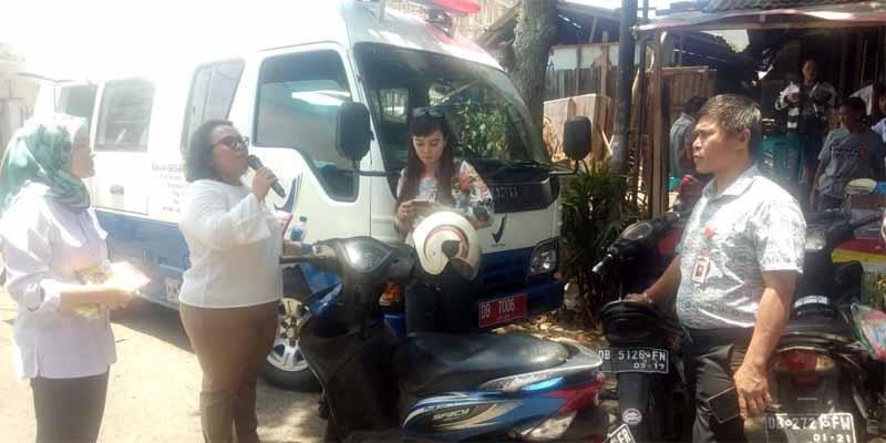 Jemput Bola, Balai POM Manado Gandeng PD Klabat Sosialisasi di Pasar Airmadidi
