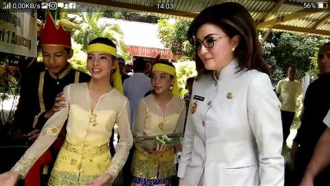Bupati Minsel Tetty Paruntu Hadiri Pencanangan Program SSK di SMP Negeri 1 Amurang