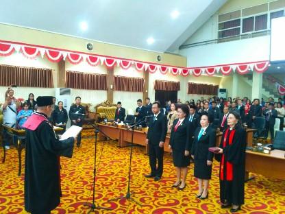 Tiga Pimpinan Definitif DPRD Manado Resmi Dilantik