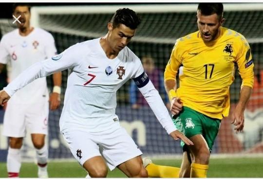 Menang 5-1 Atas Lithuania, Quatrick Ronaldo Ciptakan Rekor Baru