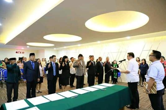 Wakili Wali Kota Vicky Lumentut, Wawali Mor Bastiaan Lantik Pejabat Eselon II dan IV Lingkup Pemkot Manado