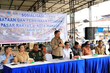 Wali Kota Vicky Lumentut Hadiri Kegiatan Sosialisasi Penataan dan Pembinaan Pedagang Pasar Rakyat di Kota Manado