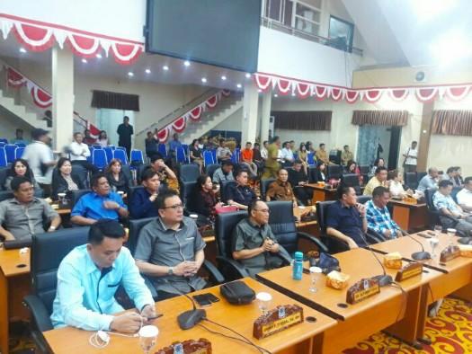 Sidang Paripurna AKD, Ini Daftar Pimpinan dan Anggota DPRD Manado