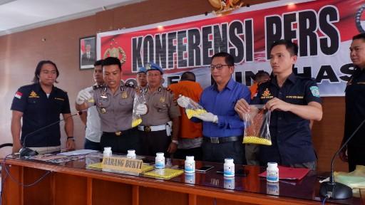 Polres Minahasa Gelar Konferensi Pers Penangkapan 3 Pelaku Pengedar Obat Keras