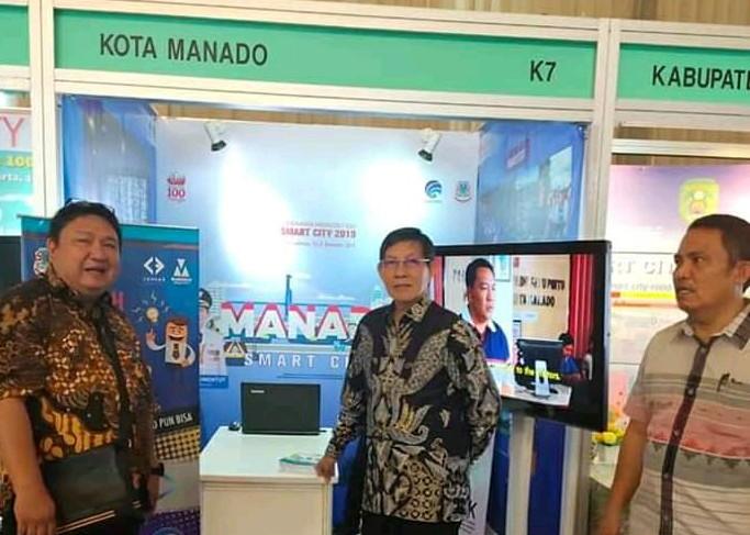 Wali Kota Vicky Lumentut dan Wawali Mor Bastian Kunjungi Stand Manado Smart City di Pameran Gerakan Menuju 100 Smart City 2019