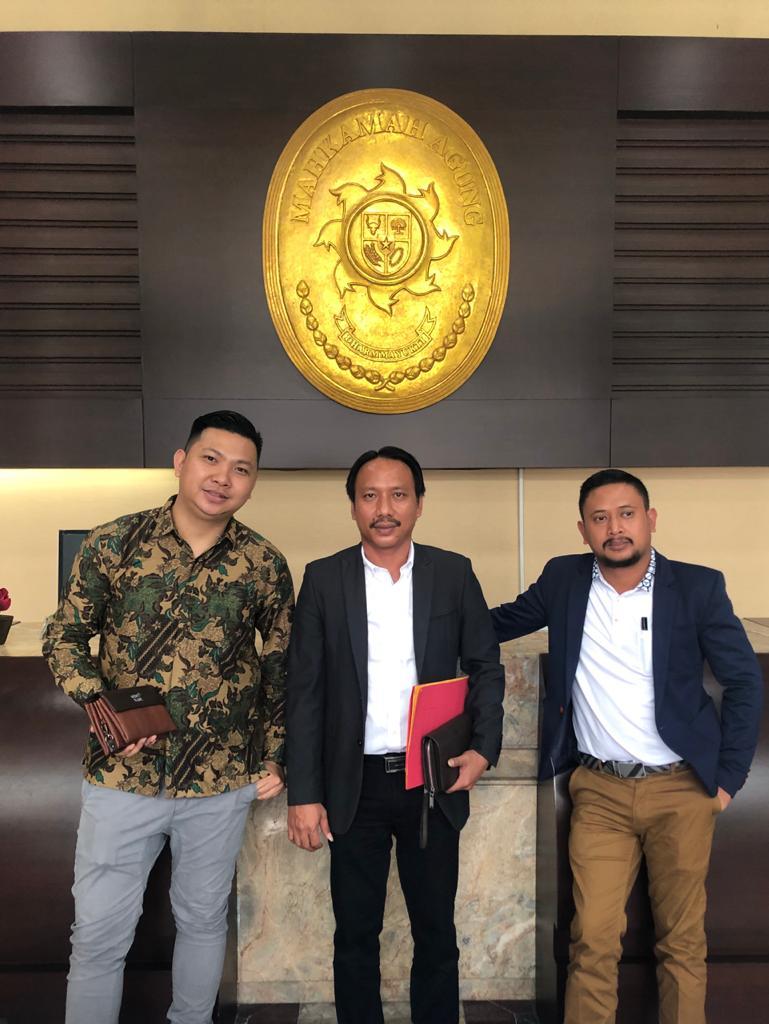 PN Jakpus Menangkan Jokowi dan Rektor Unima. Gugatan PAMI Gugur