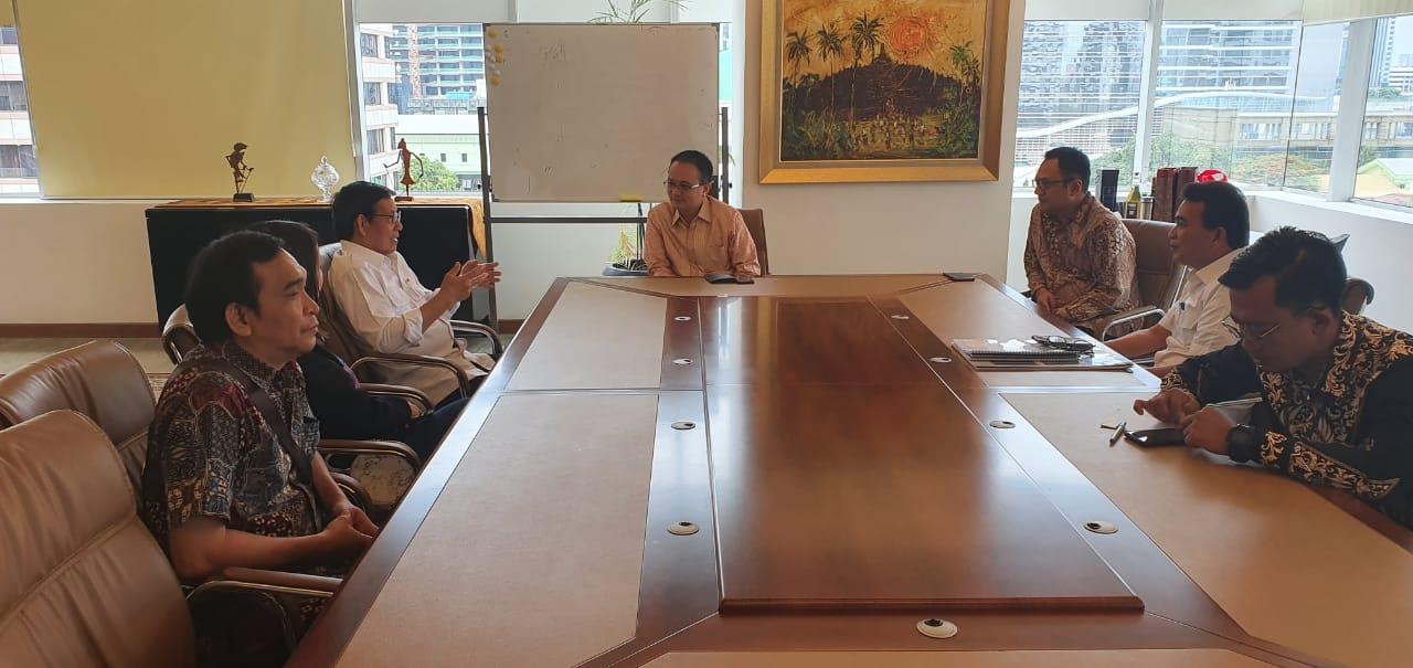 Diskusikan Soal Pengembangan Pasar Tradisional, Wali Kota Vicky Lumentut Bertemu Wamendag Jerry Sambuaga