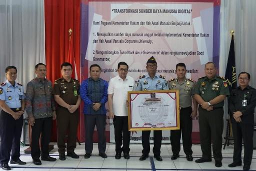 Wawali Mor Bastiaan Hadiri Acara Pencanangan Zona Integritas Wilayah Bebas Korupsi di  Lapas Kelas IIA Manado