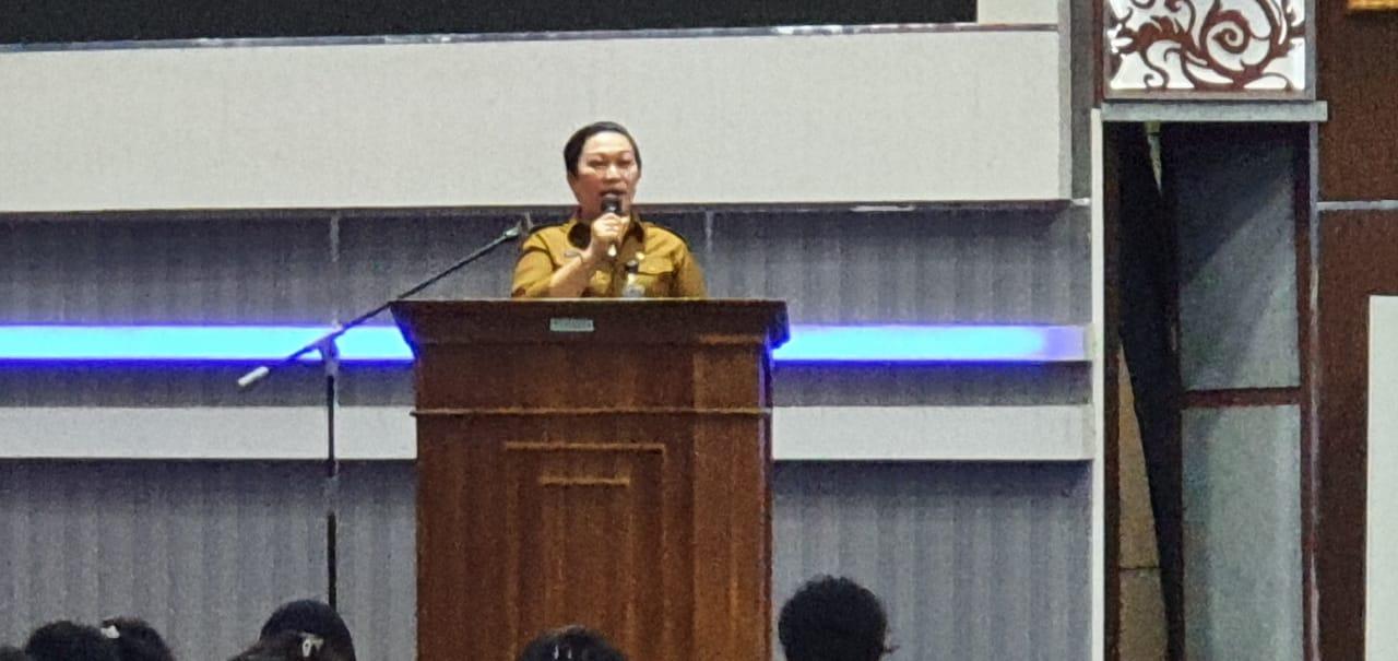 Beri Pembekalan ke THL Baru, Yanti Putri: Jauhi Tindakan Melanggar Hukum