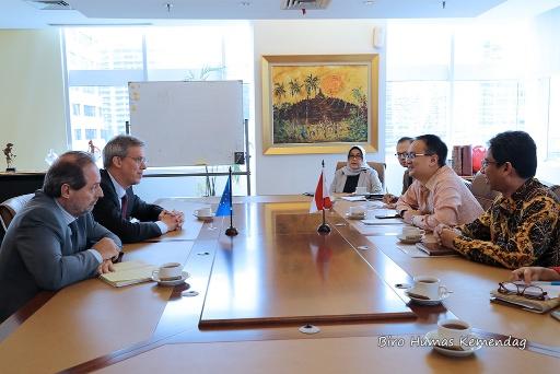 DR Jerry Sambuaga Terima Kunjungan Dubes Uni Eropa Jakarta