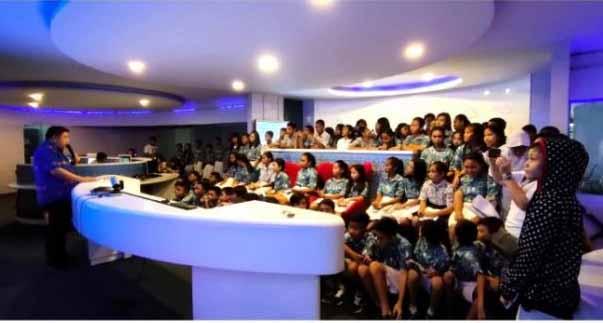 Belajar Soal IT dan Call Center 112, Siswa SMP Hang Tuah Kunjungi Ruang C3 Pemkot Manado