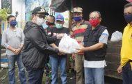 Wawali Mor Bastian Tinjau Langsung Penyaluran Bantuan Pemkot Manado di Kecamatan Malalayang