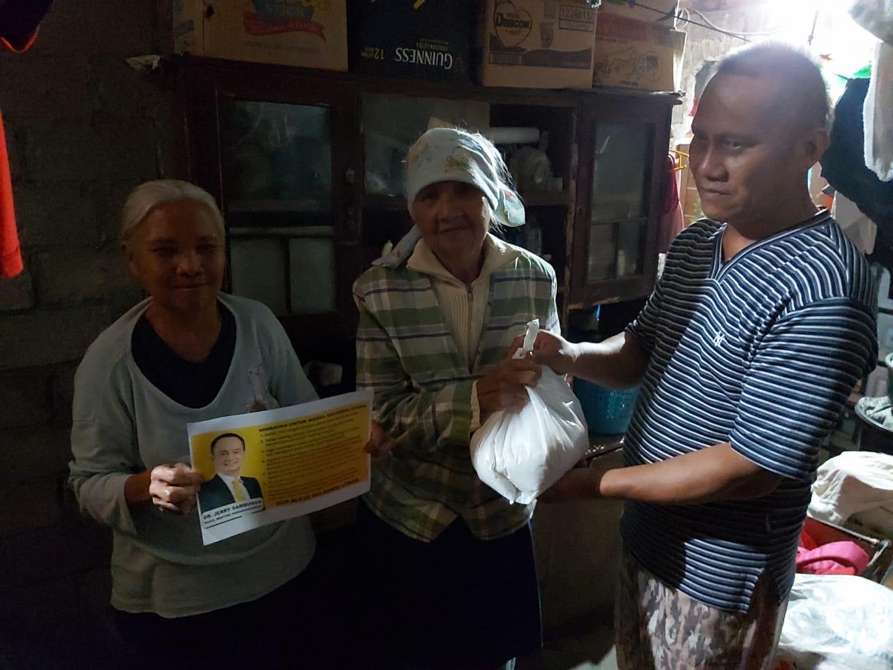 Bantuan Untuk Warga Kota Tomohon dari Wamendag Jerry Sambuaga