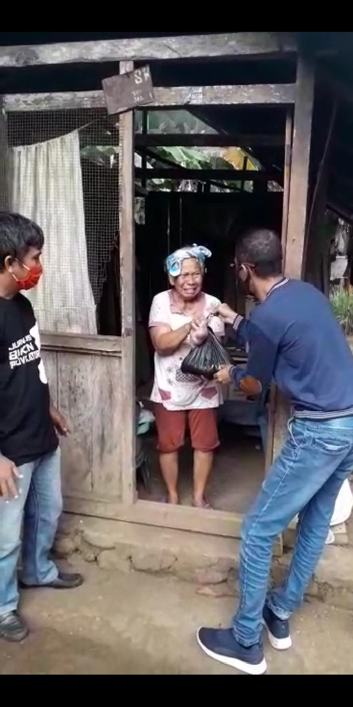 Penyaluran Bantuan Rahman Ismail Berlanjut di Kecamatan Likbar