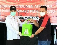 ALFA MIDI Sumbang 150 Paket Bantuan Untuk Warga Manado. Diterima Sekda Micler Lakat