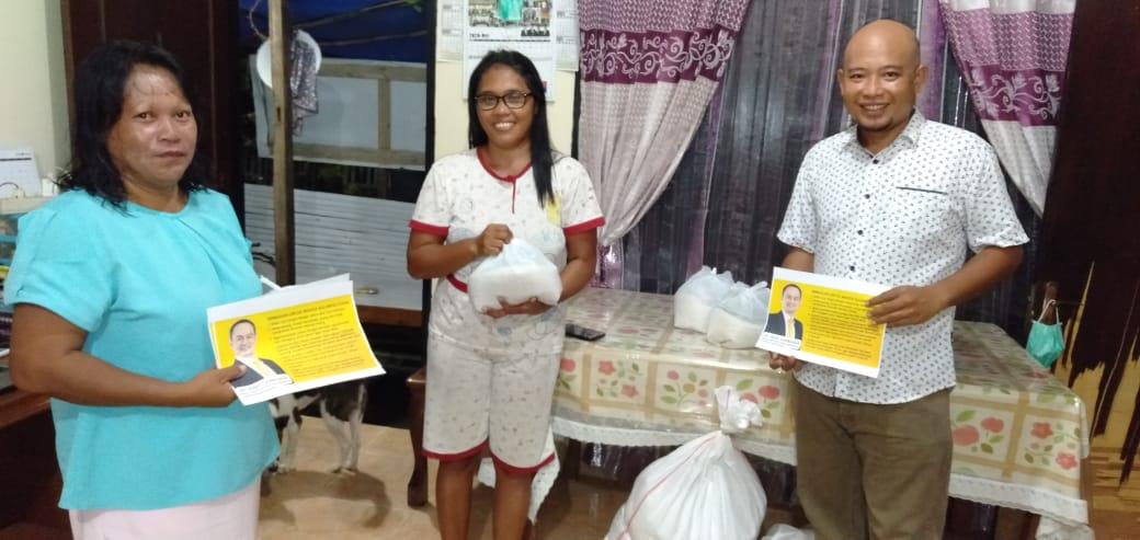 Wamendag Jerry Sambuaga Salurkan Sembako dan Alat Kesehatan untuk Masyarakat Minut