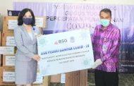 Wakili Pemkot Manado, Sekda Lakat Terima Bantuan dari Bank SulutGo cabang Calaca dan PT Taspen (Persero) Cabang Manado