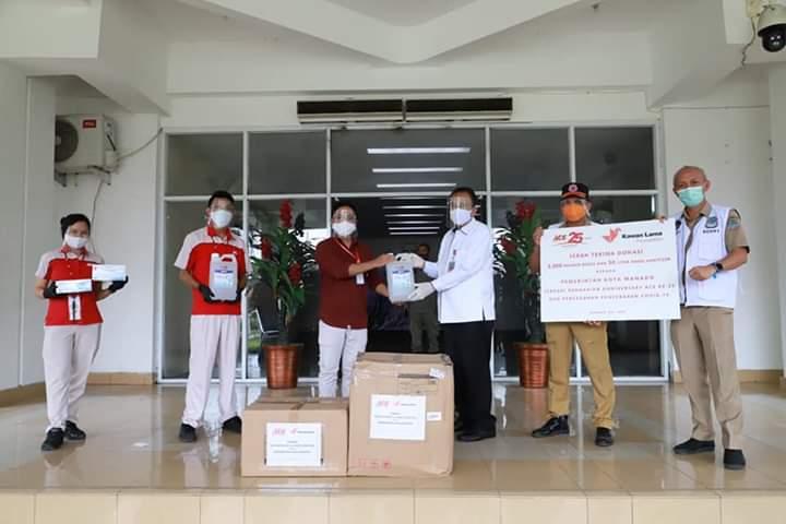 ACE Indonesia Serahkan Bantuan 3000 Masker dan 50 Liter Hand Sanitizier untuk Pemkot Manado
