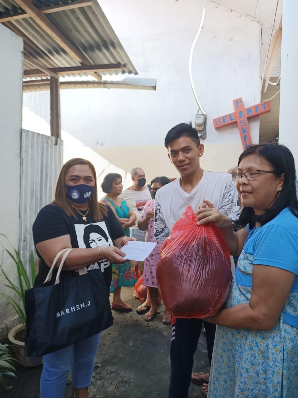 VAP Peduli, Serahkan Bantuan Korban Kebakaran di Kleak Manado