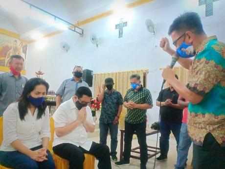 Peduli Para Hamba Tuhan,  MDB Salurkan Bantuan ke Sejumlah Gereja