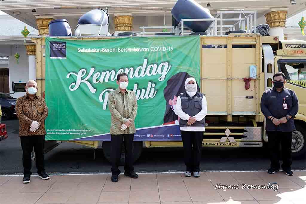 Mendag Agus Suparmanto Salurkan Alat Kesehatan Kepada Pemprov Jawa Timur