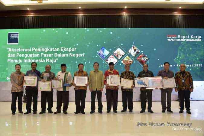Kemendag Beri Penghargaan untuk Tiga Pemerintah Daerah yang Sukses Majukan Pasar Rakyat