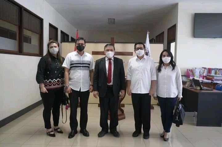 Sambangi Kantor Sinode GMIM, Mor-HJP Didoakan Pdt Hein Arina