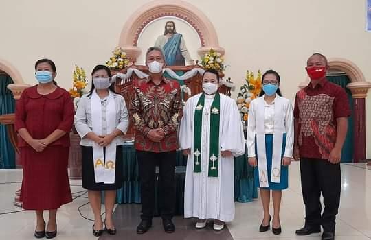 Wabup FDW Jadi Saksi Baptisan di Gereja GMIM Baitel Ranoyapo