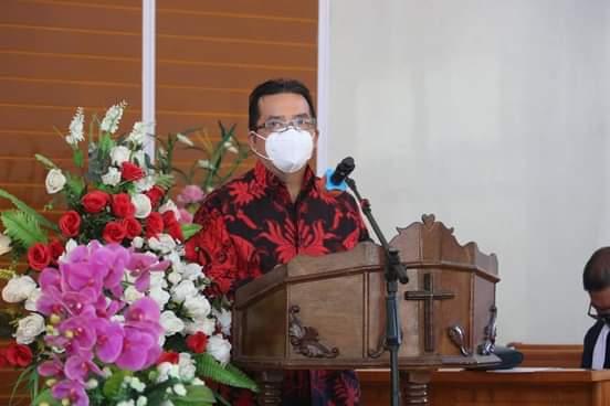 Ibadah Minggu di Gereja GMIM Efata Rumoong Bawah, FDW: Kiranya Tuhan Selalu Menyertai