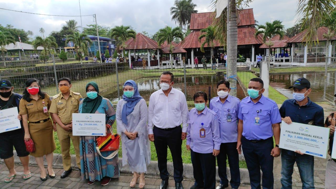Budidaya Ikan Air Tawar di Minut Menjanjikan, Menteri Edhy Prabowo Salurkan Bantuan