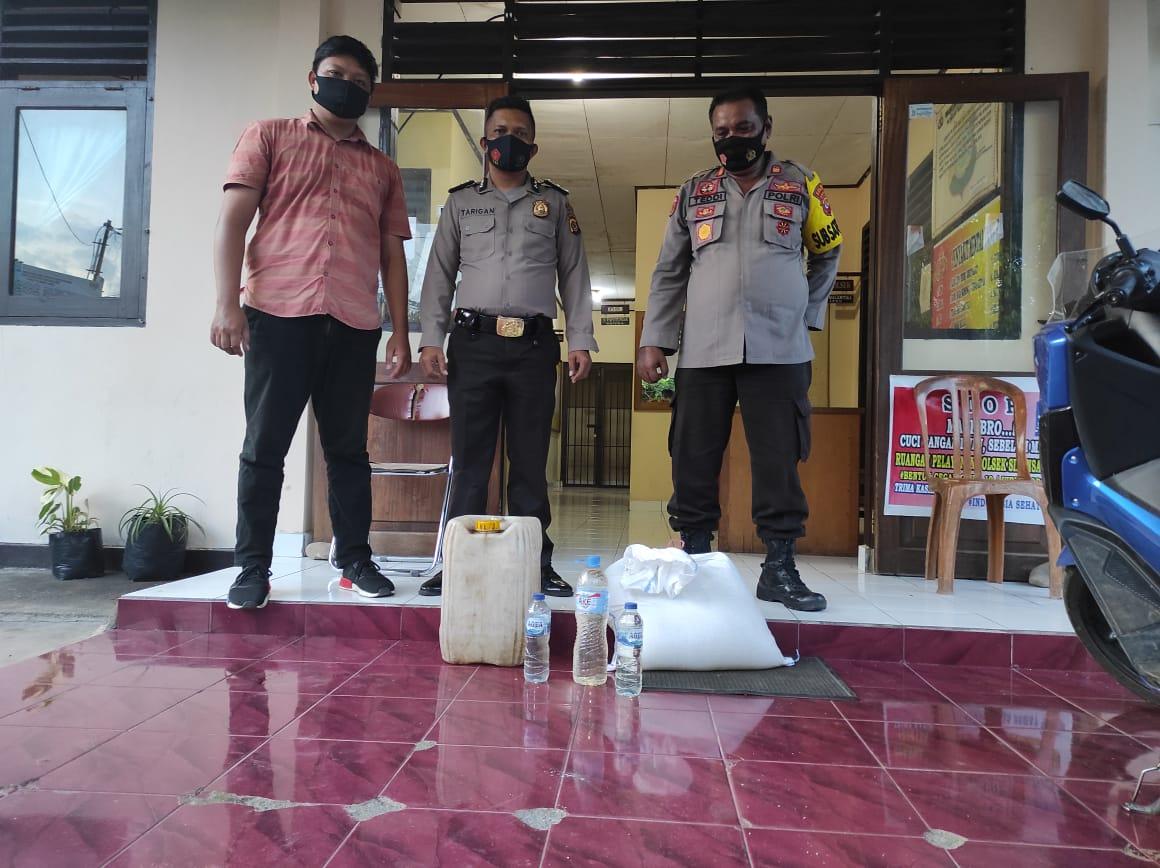 Razia Warung Dan Kios, Polisi Amankan 54 Liter Miras Cap Tikus