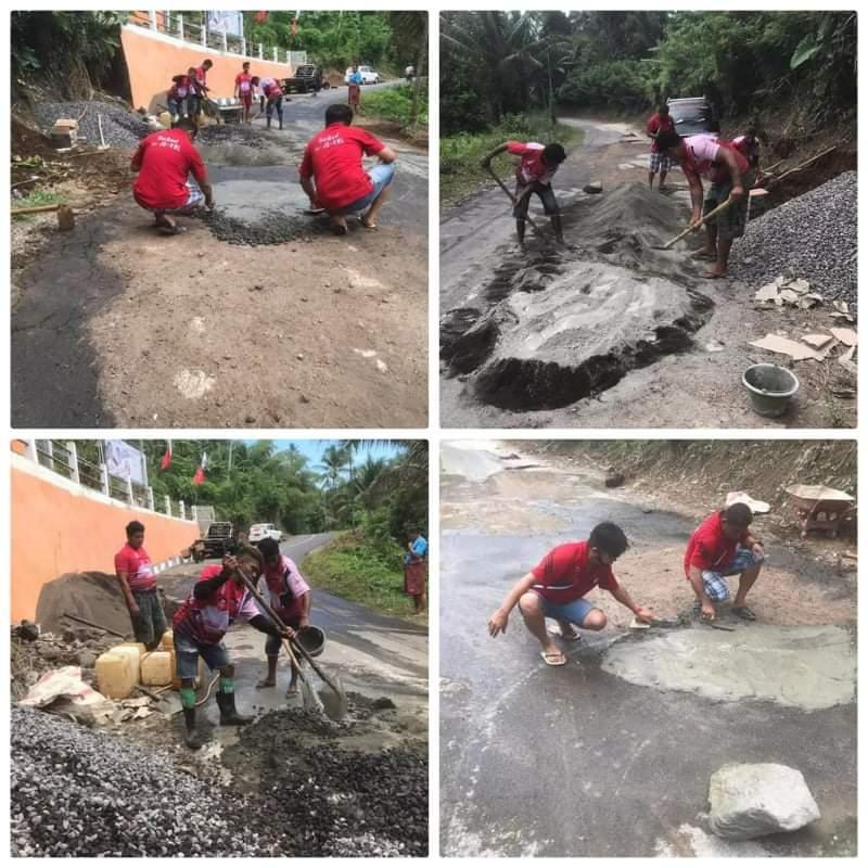 Aksi Sosial BaRed Saat Memperbaiki Jalan Rusak, Diapresiasi Masyarakat Desa Batu