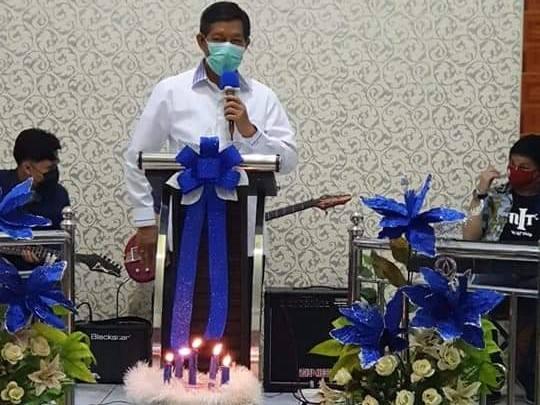Walikota Hadiri Ibadah Natal Bersama Jemaat GPDI Genesaret Ranotana Weru
