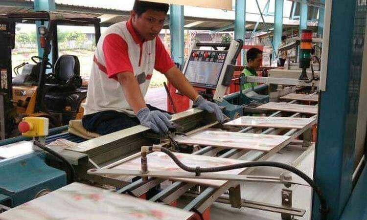 Tak Temukan Bukti, Malaysia Hentikan Penyelidikan Safeguard Terhadap Produk Keramik Indonesia
