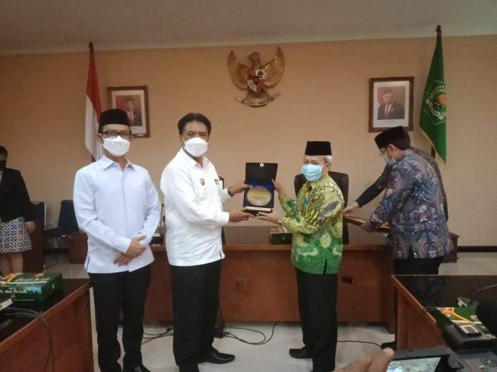 Pemkab Dan FKUB Sangihe Terima Harmony Award dari Kementerian Agama RI