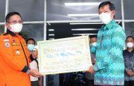 Wali Kota Manado Terima Langsung Bantuan Dari Pemkot Gorontalo