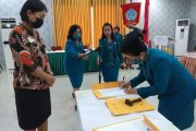 Riris Wati Resmi Melantik Pengurus TP-PKK Kecamatan Kabupaten Kepulauan Sangihe