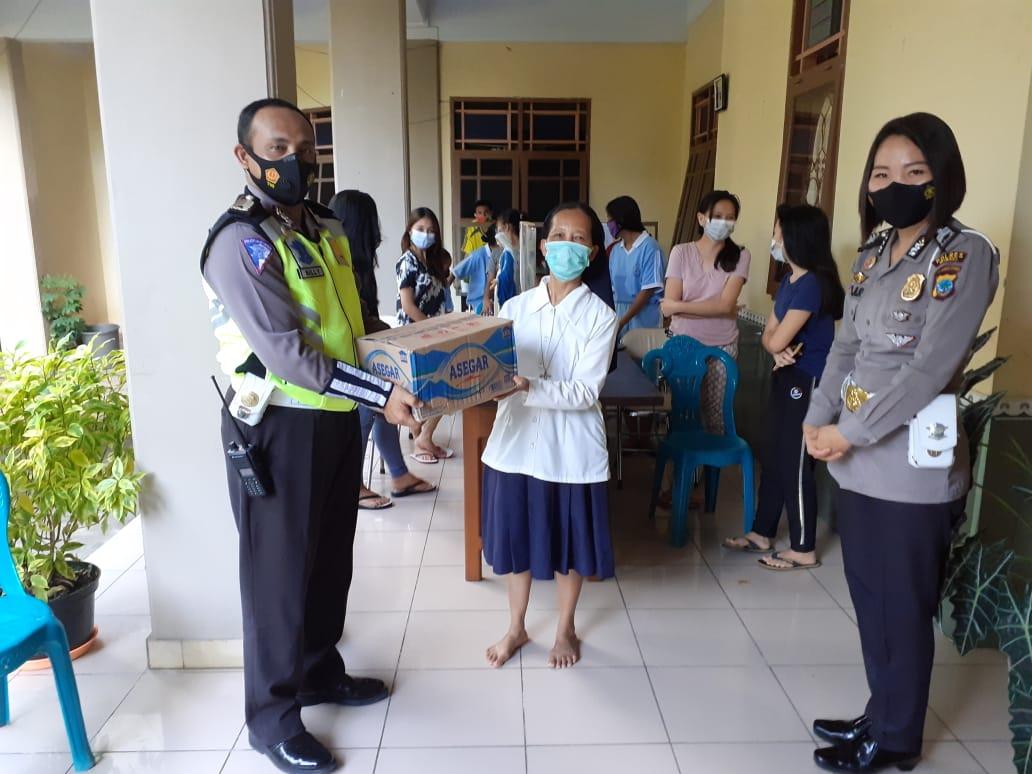 'Polsanak' Sat Lantas Polres Minsel Sambangi Yayasan Aquino Amurang