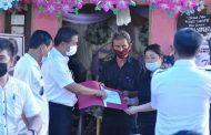 Wabup PYR Melayat ke Rumah duka di Desa Matani Tumpaan