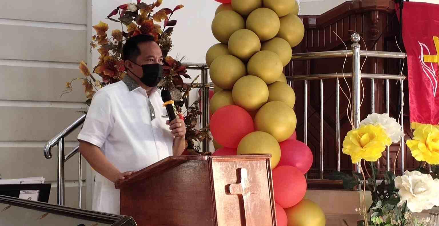 Hadiri HUT dan Peresmian Pastori Jemaat GMIM Tabur Kasih, Wawali Kembali Ingatkan Pentingnya Vaksinasi