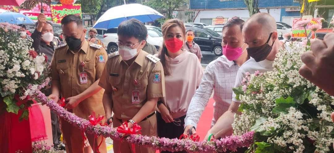 Tingkatkan PAD, AA-RS Support Pelaku Usaha di Kota Manado ...