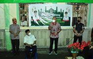 Safari Ramadhan, FDW-PYR Bagikan Bantuan untuk Para Jemaah Masjid
