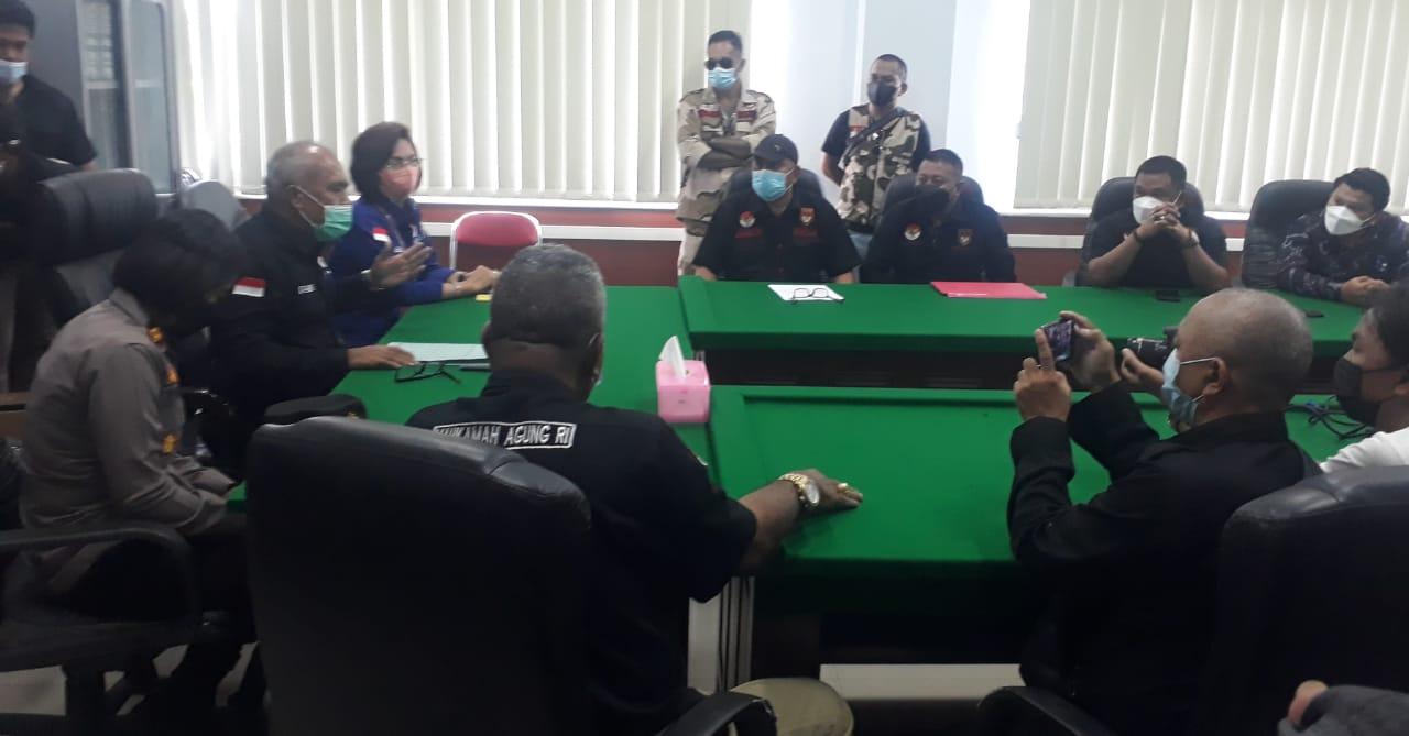 Ketum DPP LMI Hanny Pantouw Kunjungi Pengadilan Negeri Manado, Ini Penjelasannya