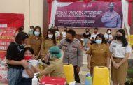 Ratusan Anak Sekolah Terima Suntikan Vaksin Covid-19 di Polres Minsel