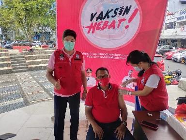 DLH Kota Manado dan Puskesmas Kombos Gelar Vaksin Hebat di TKB
