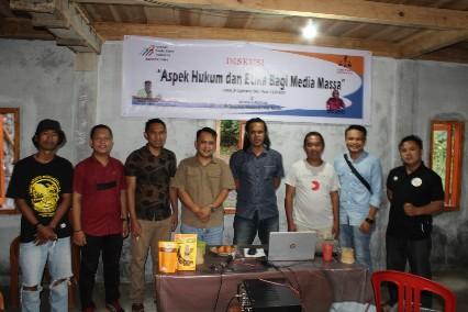 AMSI Sulut - LBH Pers Manado Bahas Aspek Hukum dan Etika Media Massa