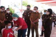 Kejati Sulut Gelar Vaksinasi di Kota Bitung, Wali Kota Mantiri: Ini Mempercepat Terbentuknya Herd Immunity di Kota Bitung