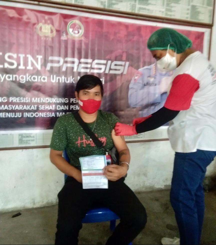 Pemerintah Kelurahan Bitung Amurang Gelar Vaksin Covid-19