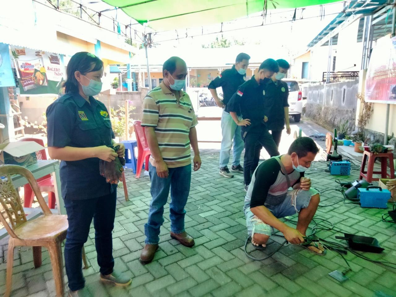 Politeknik Manado Jurusan Teknik Mesin Gelar PKM di Kelurahan Sukur